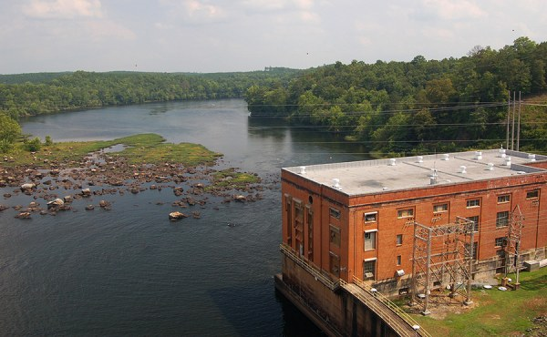 Bartletts Ferry Powerhouse on the Chattahoochee River in Georgia