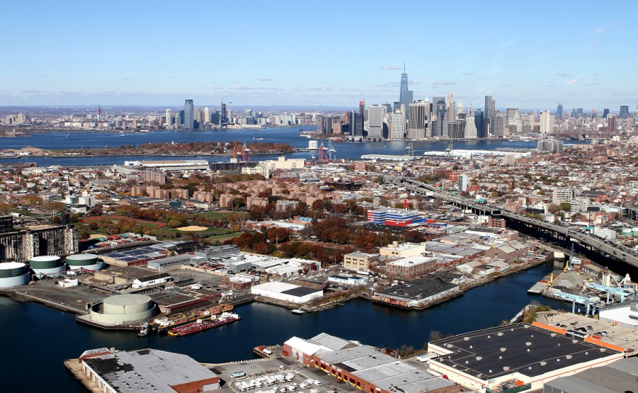 Geosyntec is leading the remedial design of the Gowanus Canal    Superfund Site in Brooklyn, New York.