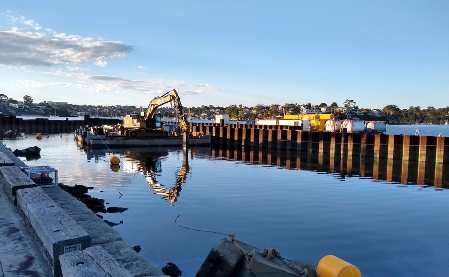 Geosyntec demonstrated that in situ stabilization can be used to remediate subaqueous sediments, the first time this method has been used in Australia.